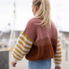 Cool, fun and happy knitwear. Knitting pattern for womens sweater. We love colors, and we love mohair! Fun knit, fantastic to wear! Free Knitting Patterns For Women, Baby Boy Knitting Patterns, Knitting Kits, Kids Knitting, Sock Knitting, Tea Cosy Knitting Pattern, Jumper Knitting Pattern, Jumper Patterns, Parisienne Chic