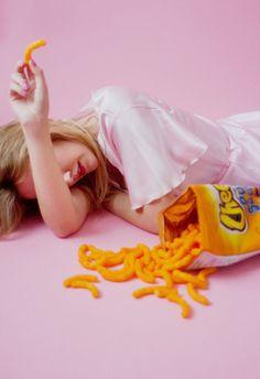Imagem de pink, Cheetos, and pastel