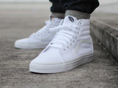Vans Hi - Watch out for all the fakes, get a 23 point step-by-step guide from goVerify.it on spotting fakes before it's too late. Sneakers Mode, Best Sneakers, White Sneakers, Sneakers Fashion, Fashion Shoes, Mens Fashion, Vans Outfit, Skate Shoes, Vans Shoes