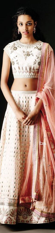 ★ Anita Dongre ★ Pretty in white! Indian Look, Indian Ethnic, India Fashion, Asian Fashion, Fashion Women, Indian Bridal Wear, Indian Wear, Pakistani Outfits, Indian Outfits
