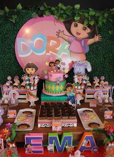 Eğlendirerek öğretme tekniği kullanılan ''Kaşif Dora'' çizgi filmi çocukların ilgisini çekmektedir. Dora ile hayvanlar arasındaki bağ çocuk...