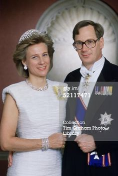Birgitta, Duchess of Gloucester, wearing Queen Mary's Iveagh tiara to a photo shoot in 1989, with her huband, Richard. image courtesy of getty and tim graham.