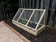 Grow and protect your produce with a removable raised garden bed fence – DIY projects for everyone! Fence Landscaping, Backyard Fences, Garden Fencing, Diy Fence, Fence Ideas, Pallet Fence, Fence Art, Landscaping Software, Building A Raised Garden