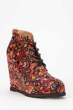 Velvet, pattern, wedge, #fallperfection #urbanoutfitters