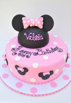 Minnie Birthday Cake & Hat by thecakemamas, via Flickr