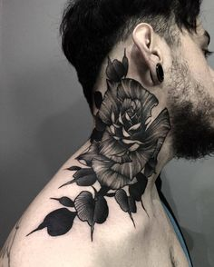 Flower by @john_mendoza_tattoo at Tatudemia Studio in Jalisco Mexico. #flower #john_mendoza_tattoo #johnmendozatattoo #darkartists #blackworkers #tatudemia #jalisco #mexico #tattoo #tattoos #tattoosnob