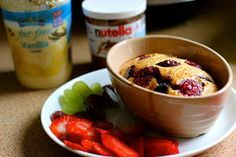 Not Your Average: Slimming World Eats: Baked Oats Add raspberries & almond essence to make bakewell variation Slimming World Desserts, Slimming World Breakfast, Slimming World Syns, Slimming World Recipes, Sliming World, Healthy Treats, Healthy Eating, Healthy Deserts, Healthy Breakfasts