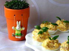 Jajka faszerowane wędzonym łososiem