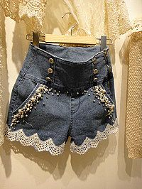 Pearl lace rivets button high waist denim shorts
