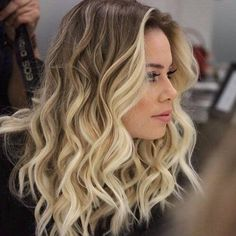 Cute Blonde Highlights on Brown Hair Hair Highlights Blonde Fringe, Blonde Bangs, Soft Blonde Hair, Hair Bangs, Dark Blonde, Curly Blonde, Brown Hair With Blonde Highlights, Hair Highlights, Hair Color Balayage