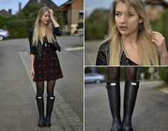 Kristiana V. Hunter Wellies, Hunter Boots, Leather Wellies, Leather Jacket, Zara Dresses, Fashion Stylist, New Look, Rain Boots, Winter Outfits