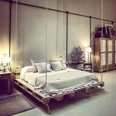 ideen f r palettenm bel bett h ngend vintage wohnung einrichtung paletten ideen pinterest. Black Bedroom Furniture Sets. Home Design Ideas