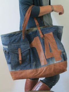 Diy bag jeans leather New ideas Diy Jeans, Diy Bags Jeans, Love Jeans, Mochila Jeans, Jean Purses, Denim Ideas, Denim Crafts, Recycled Denim, Denim Bag