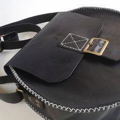 @estudiomatulao Saddle Bags, Fashion, Moda, Fashion Styles, Fashion Illustrations