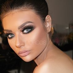 This look is one of those contouring looks it's pretty n blended but u can tell it's heavy makeup