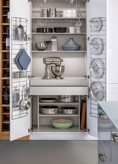 Fresh Kitchen Organization