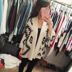 Geoprint Cardigan Love this cardigan! Loose fit, perfect condition. NO TRADING Forever 21 Sweaters Cardigans