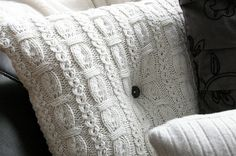 DIY sweater pillows - they look so cozy and comfy!