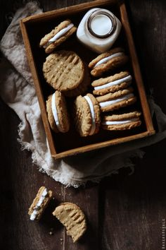 Peanut Butter  and Marshmallow Sandwich cookies via @Bakers Royale | Naomi
