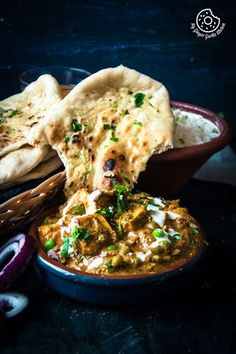 Restaurant Style Matar Paneer is a classic, comfy and creamy cottage cheese and green peas curry recipe hailing from the Northern part of India.