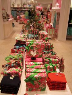 i want to unwrap everything, go buy lilly paper and re-wrap everything, and i think i might just bc i have a super fabulous tree.