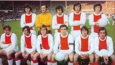 1971 Ajax Amsterdam, Top, left to right: Barry Hulshoff, Heinz Stuy, Wim Suurbier, Gerrie Muhren, Dick van Dijk,  , Bottom, left to right: Piet Keizer, Sjaak Swart, Nico Rijnders, Velibor Vasovic, Johann Cruyff, Johann Neeskens