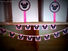 Decorations at a Pink Minnie Mouse Party #pinkminniemouse #partydecor