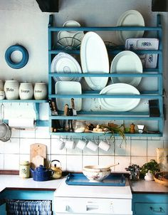 plate rack, great idea for storing/displaying odd shaped and large serving dishes