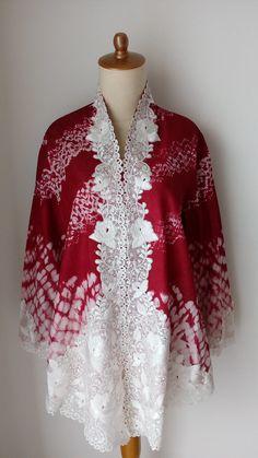 Kebaya Lace, Batik Kebaya, Kebaya Brokat, Batik Fashion, Ethnic Fashion, Ethnic Chic, Blouse Batik, Batik Dress, Traditional Fashion