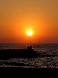 romantic sunset Beautiful Scenery, How Beautiful, Colorful Clouds, Romantic Things, Gods Creation, Hopeless Romantic, Amazing Photography, Sunrise, Sun Light
