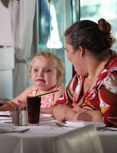Honey Boo Boo Enjoying A Fancy Hollywood Dinner In 11 Images. One of the funniest things I've seen in a while.