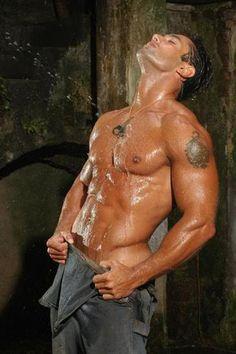 http://1.bp.blogspot.com/-bL1o95oN1kg/Tgs_AHwzFpI/AAAAAAAAbg0/7LJumKZ522U/s1600/sexy_men_08.jpg