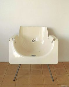 Google Image Result for http://cdn.home-designing.com/wp-content/uploads/2009/03/recycled-bath-tub-chair.jpg