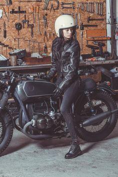 instagram.com/thunderdolls Marina Oliveira do Foxy Riders em bmw por Ton-Up Garage | Foto por Manuel Portugal / Fotografia