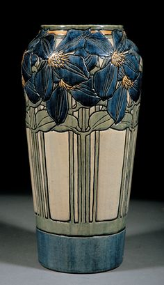 A Fine Newcomb College Art Pottery High Glaze Vase, decorated by Marie de Hoa LeBlanc, the base marked with Newcomb cipher, decorators mark, Joseph Meyers potters Glazes For Pottery, Pottery Vase, Ceramic Pottery, Thrown Pottery, Slab Pottery, Talavera Pottery, Kintsugi, Interior Art Nouveau, Verre Design