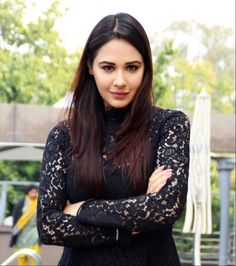 Mandy Takhar Flawless Beauty Pictures Are Not Less Than Sweet Dreams - TrendsPoint Hd Wallpapers For Mobile, Mobile Wallpaper, British Actresses, Indian Actresses, Pakistani Dresses Party, Punjabi Models, Punjabi Actress, Western Look, Flawless Beauty