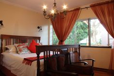Accommodation in our honeymoonsuite. King bed and Victorian bath. #pretoria #accommodation #honeymoon #wheretostay