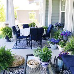 Easy Breezy Summer Home Deko-Ideen Adirondack Furniture, Outdoor Furniture Sets, Rustic Furniture, Garden Furniture, Modern Furniture, Antique Furniture, Recycled Furniture, Furniture Plans, Furniture Makeover