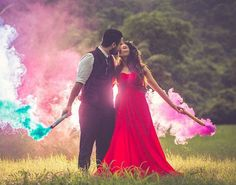 All set for the wedding? Here are best trending Pre-wedding photo shoot ideas that you need to know! All set for the wedding? Here are best trending Pre-wedding photo shoot ideas that you need to know! Pre Wedding Poses, Pre Wedding Shoot Ideas, Wedding Couple Poses Photography, Indian Wedding Photography, Pre Wedding Photoshoot, Wedding Pics, Wedding Events, Wedding Shot, Wedding Album