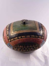 gourd art ... have to find the artists name, very nice piece