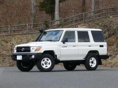 Toyota LandCruiser 76