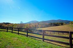 Beautiful home site with 360 degree mountain views in Virginia!