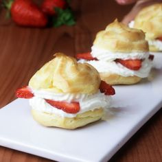 These wonderful little strawberry cream puffs are a wonderful treat in the . - These wonderful little strawberry cream puffs are a wonderful treat in spring – sweet and fruity! Easy Cake Recipes, Sweet Recipes, Cookie Recipes, Dessert Recipes, Delicious Desserts, Yummy Food, Chocolate Cake Recipe Easy, Love Food, Bakery
