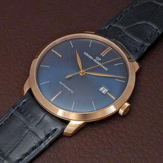 The GP1966 shot by our friend blomman. Read the full review on watchprosite. #girardperregaux #watchprosite #puristpro #womw #wotd #watches #watchcollector #timepiece #blue #luxury #luxurywatches  #horlogerie #hautehorlogerie #elegance #menstyle #swissmade