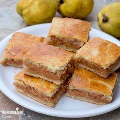 Placinta frageda cu gutui / Tender crust quince pie Romanian Desserts, Romanian Food, Quince Pie, Healthy Dessert Recipes, Cookie Recipes, Beautiful Desserts, Hungarian Recipes, Sweets Cake, Sour Cream