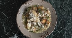 Chicken with trahana and croutons by the Greek chef Akis Petretzikis. Make easily and quickly this recipe for a delicious trahana pasta with chicken legs! Chicken Legs, Chicken Pasta, Greek Recipes, Raw Food Recipes, Nutrition Chart, Processed Sugar, Good Fats, Palak Paneer, Stuffed Peppers