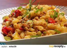 Kolínkoto s mletým masem recept – TopRecepty. Bulgur Salad, Food Items, Pasta Salad, Potato Salad, Macaroni And Cheese, Food And Drink, Potatoes, Ethnic Recipes, Red Peppers