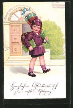 """carte postale ancienne: CPA """"Herzlichen Glückwunsch zum ersten Schulgang"""", Fille im lila Mantel avec Mütze trägt die Zuckertüte auf der Schulter"""