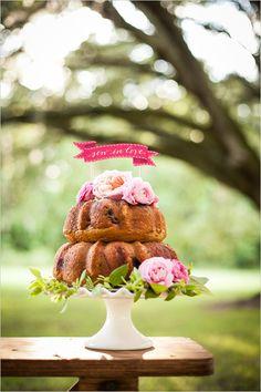 bundt wedding cake | sew in love topper | pink and green wedding ideas | #weddingchicks