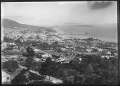 230746PD: View from Mount Melville across roof tops to the jetty, Princess Royal Harbour, and Mount Clarence, Albany, ca. 1910. http://encore.slwa.wa.gov.au/iii/encore/record/C__Rb3780962__S230746PD__Orightresult__U__X3?lang=eng&suite=def